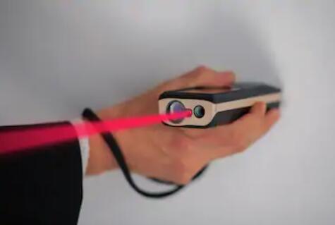 how do laser rangefinder work
