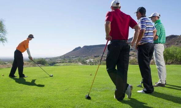 golf rangefinder playing